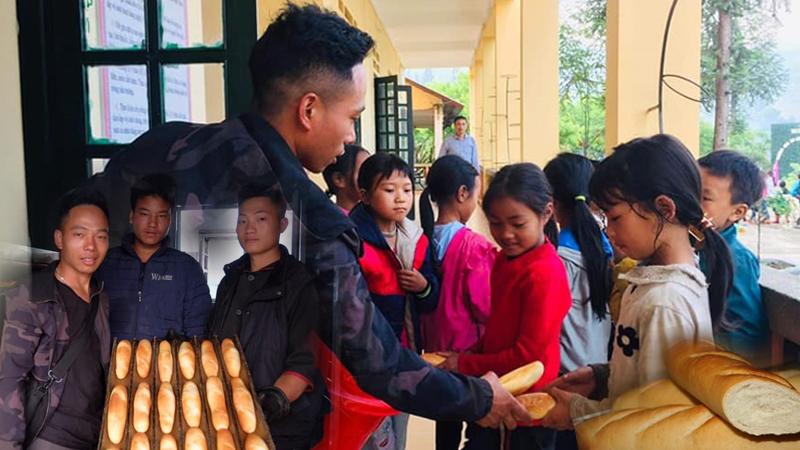 Chàng trai Hà Nhì trắng đêm chuẩn bị hơn 2000 chiếc bánh mì nóng hổi tặng bà con quê hương