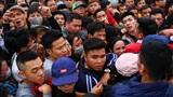 Báo Thái 'nghiêng mình kính cẩn' trước tinh thần yêu bóng đá của người Việt Nam