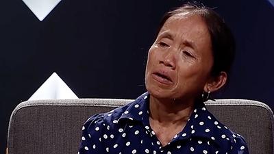 Bà Tân Vlog bật khóc khi nhớ về quãng thời gian ăn cơm lề đường, chăm chồng ốm nặng giữa cảnh túng thiếu