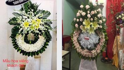 Đặt vòng hoa viếng trên mạng, tang gia nhận được toàn hoa hồng