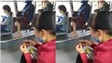 Đăng ảnh 'bóc phốt' người phụ nữ gọt xoài trên xe bus, thanh niên bị dân mạng ném đá dữ dội vì 'sân si'