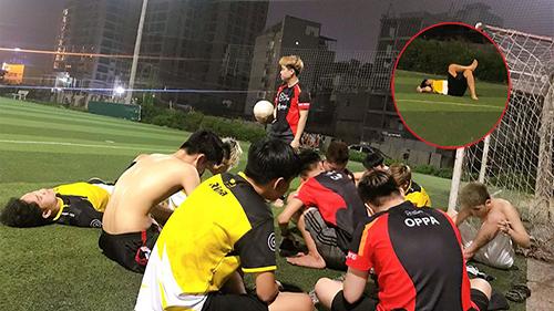 Mocha ZD và BoxGaming quyết phân tài cao thấp qua đá bóng nhưng cứ 10 phút nghỉ một lần khiến fan cười bò