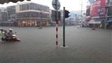 Dân mạng xót xa trước cảnh đường phố Đà Nẵng thất thủ sau cơn mưa lớn