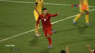 Clip: Đánh đầu thành công, Đức Chinh ghi bàn mở tỉ số cho U23 Việt Nam