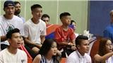 Tiến Dũng, Quang Hải, Văn Hậu gây 'náo loạn' NTĐ Bách Khoa khi bất ngờ xuất hiện trong trận derby Thủ đô
