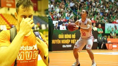 Những điều Tim Waale vừa khóc vừa chia sẻ sau khi nhận chiếc áo MVP từ Richard Nguyễn