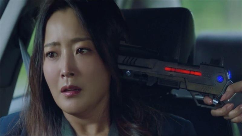 'Xứ sở Alice' trailer tập 23-24: Kim Hee Sun gặp nguy hiểm tính mạng, Joo Won cũng không cứu nổi