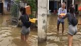 Thủy Tiên ngày thứ 2 tại miền Trung: Đội mưa, tới từng nhà hỏi thăm, đưa đồ cứu trợ