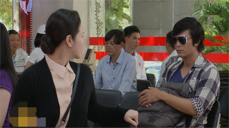 'Vua bánh mì' tập 38+ 39: Mẹ ở ngay trước mắt nhưng Quốc Huy không nhận ra vì đôi mắt bị chấn thương nặng