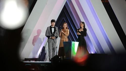 Quốc Trường, Bảo Thanh, Bích Phương là những nghệ sĩ Việt Nam xuất sắc nhất tại AAA!