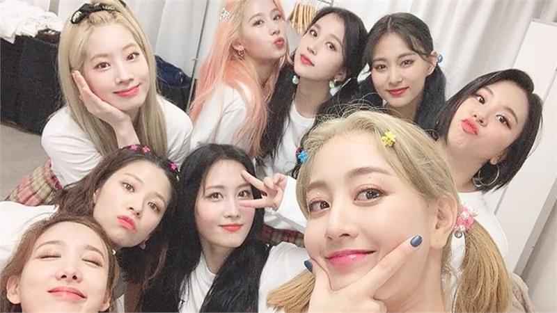 Được khán giả săn đón nhưng Twice tiết lộ bị đồng nghiệp 'xa lánh' vì lý do này!
