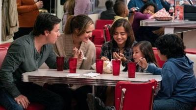 'Con nuôi bất đắc dĩ': Đâu mới là điều thật sự làm nên một gia đình?