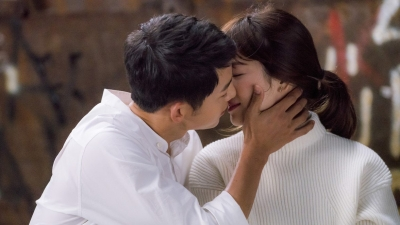 Song - Song ly hôn: Đừng tiếc nuối, đừng cố truy tìm nguyên do, họ đâu kết hôn để làm gương cho người khác