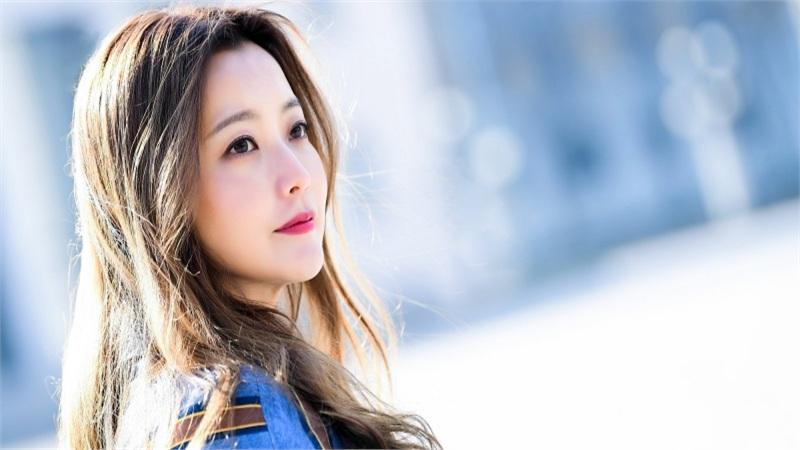 Nhan sắc chuẩn 'tượng đài' của Kim Hee Sun, U40 vẫn 'cân' vai thiếu nữ 20 ngon lành