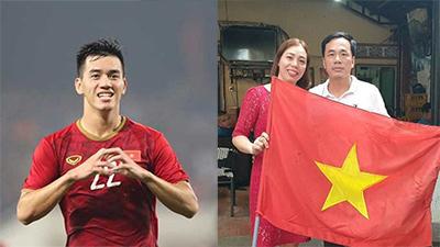 Bố cầu thủ Tiến Linh mải trông xe không biết con trai ghi siêu phẩm vào lưới UAE