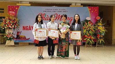 Chuyện lạ ở trường THCS Phú Diễn: Tặng vàng 9999 cho học sinh nhân ngày 20/11