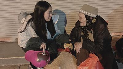 Hành động đẹp dành cho người vô gia cư của nữ ca sĩ 'Thích được không'