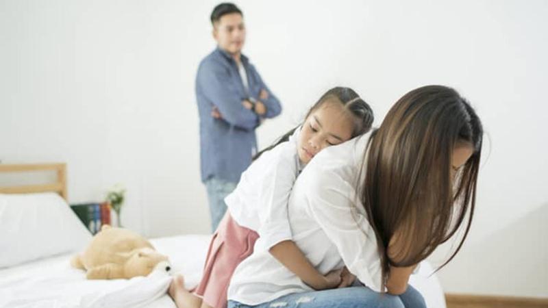 Vợ không ngoại tình, chẳng cãi vã nhưng cuộc sống hôn nhân ngày càng ngột ngạt, hội chị em giật mình thấy có bóng mình trong đó!