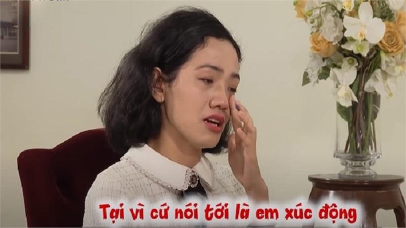 37 tuổi chỉ 1 lần yêu phải gã đàn ông cộc cằn, cô nàng bảo mẫu khóc luôn khi đến show hẹn hò