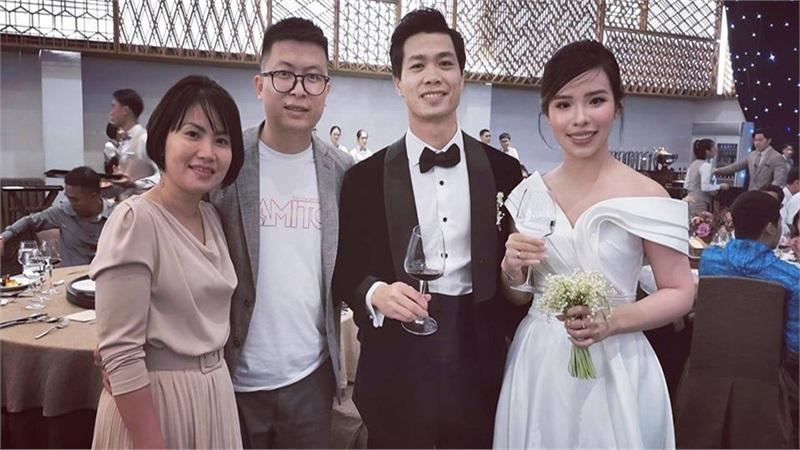 http://tiin.vn/chuyen-muc/yeu/vay-cuoi-vien-minh-nhin-don-gian-nhung-mat-5-thang-de-thiet-ke-va-may-do-hang-doc-quyen-chi-co-1-0-2.html