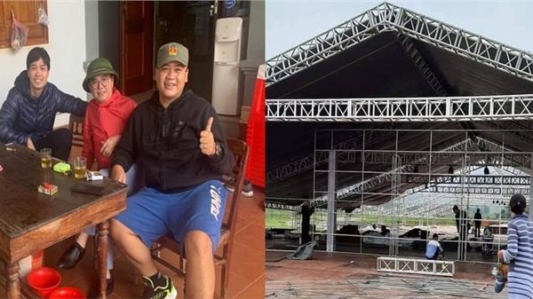 Công Phượng có mặt tại quê nhà Nghệ An để chuẩn bị đám cưới, rạp dựng ở sân vận động 'loading'đến 80%
