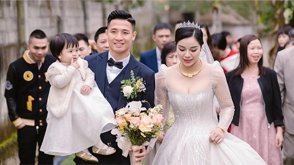 Nhìn lại những khoảnh khắc siêu long lanh trong đám cưới tại nhà trai của cặp đôi Bùi Tiến Dũng - Khánh Linh