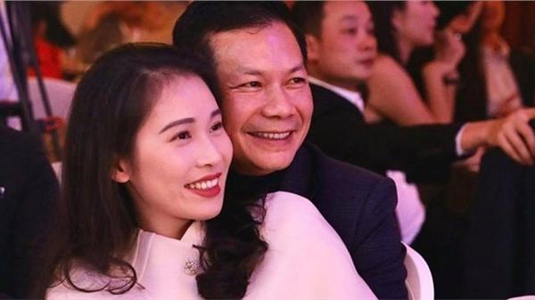 Không hổ danh đệ nhất lãng mạn, Shark Hưng khiến dân tình 'đỏ mặt' trước khoảnh khắc tình tứ như thanh niên đôi mươi với vợ Á hậu