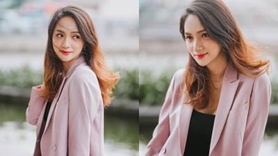 Hoa hậu Hương Giang khoe nhan sắc rạng ngời ngày cuối năm