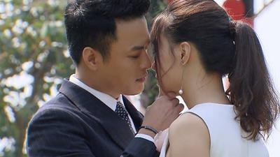 Tập cuối Hoa hồng trên ngực trái: Khán giả chờ đợi cặp đôi Hồng Đăng - Hồng Diễm làm 'cú nổ' hôn nhau sau 10 năm là người tình màn ảnh mà chẳng 'xơ múi' gì