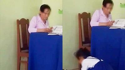 Cô giáo chấm bài rồi bỏ vở học sinh xuống nền, học sinh tự lên nhặt về: Bàn nhỏ không có chỗ để