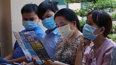 Nhiều tỉnh hỏa tốc thông báo cho học sinh tiếp tục nghỉ vì diễn biến khó lường của dịch Covid-19