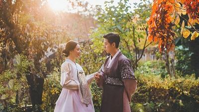 Diễn viên 'Nấc thang lên thiên đường' kết hôn với bạn gái hơn tuổi sau 4 năm hẹn hò