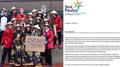 Trường học ở Bỉ gửi lời xin lỗi sau sự việc bức ảnh học sinh đội nón lá, giơ biển virus corona