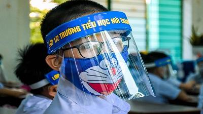 Phó Thủ tướng Vũ Đức Đam: Không bắt buộc đeo khẩu trang, mặt nạ hay cấm bật điều hòa trong lớp học