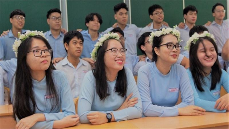 Nữ sinh Đà Nẵng tự ôn SAT, giành 6 học bổng từ các trường đại học Mỹ, có trường hỗ trợ lên tới 5 tỷ đồng
