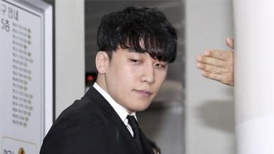 Xuất hiện tại phiên điều trần để chờ lệnh bắt giữ, Seungri vẫn giữ im lặng dù cảnh sát đã có đầy đủ bằng chứng buộc tội
