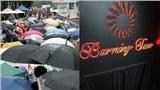 Không còn tin tưởng cảnh sát, phụ nữ Hàn Quốc tràn ra đường, đứng trước dinh Tổng thống Hàn Quốc để phản đối vụ án Burning Sun và Seungri