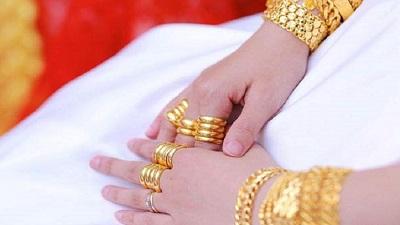 Mẹ chồng bắt con dâu đưa hết của hồi môn sau lễ cưới: Không có quyền vì đó là tài sản riêng