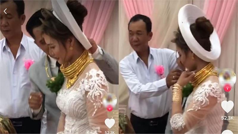 Cô dâu Sóc Trăng đeo vàng trĩu cổ, đầy tay trong ngày cưới, dân mạng thi nhau đòi đỡ hộ 'gánh nặng' này