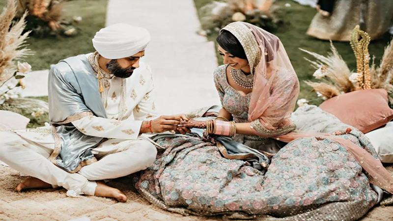 Sau 7 tháng hẹn hò, cặp đôi tổ chức hôn lễ tại sân vườn nhà bố mẹ, ghi lại những khoảnh khắc đẹp đến khó quên