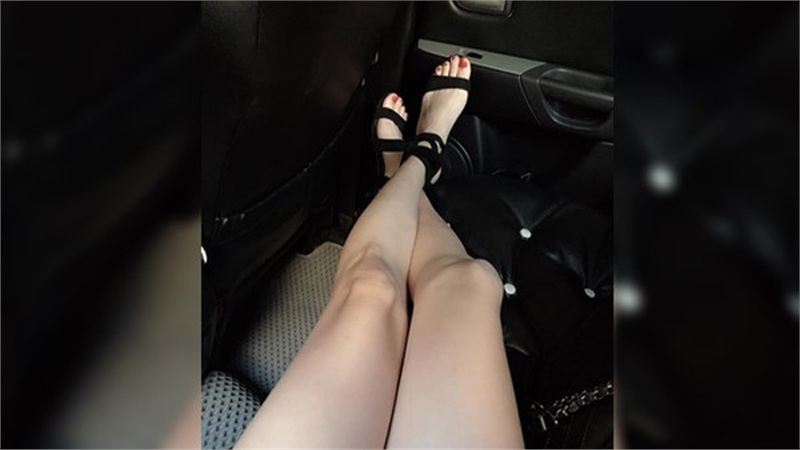 Cô nàng cao 1m76, đúng chuẩn hotgirl bị bạn trai đá vì 'bàn chân to' khiến cộng đồng mạng dậy sóng