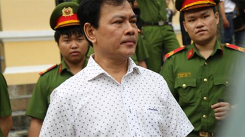 Vụ 'nựng' bé gái 8 tuổi trong thang máy: Bác kháng cáo, tuyên phạt Nguyễn Hữu Linh 18 tháng tù giam