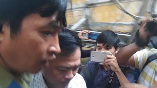 Nguyễn Hữu Linh đi 'đường hầm' đến tòa phúc thẩm vụ dâm ô bé gái trong thang máy