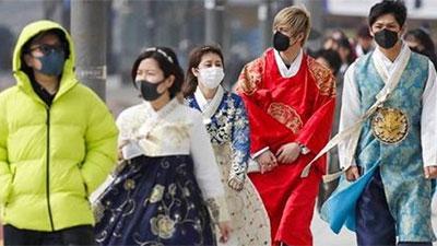 Người dân Hàn Quốc dùng ứng dụng smartphone để tránh lây nhiễm virus corona