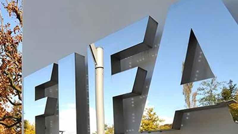 FIFA cho phép mùa giải kéo dài vô thời hạn