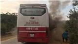 Xe giường nằm bất ngờ bốc cháy dữ dội, 20 hành khách bỏ chạy thoát thân
