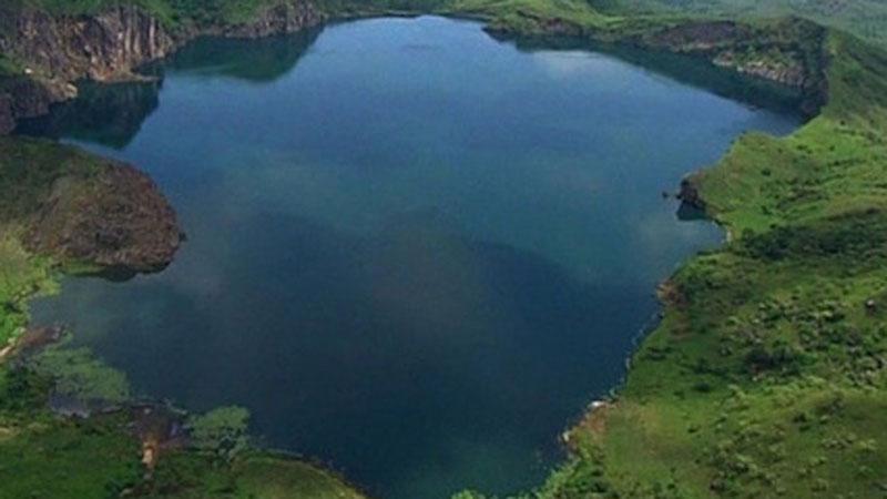 Hồ nước sở hữu vẻ đẹp nên thơ tưởng là nơi hút khách nhưng thực chất lại là 'hồ Tử Thần' từng một lúc giết chết 1.700 người