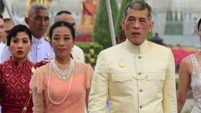Vua Thái Lan vẫn 'mất tích' cùng 20 thê thiếp giữa đại dịch khiến nhiều người dân bức xúc