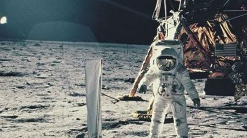 Phát hiện bất ngờ, nước tiểu người giúp xây bê tông trên Mặt Trăng