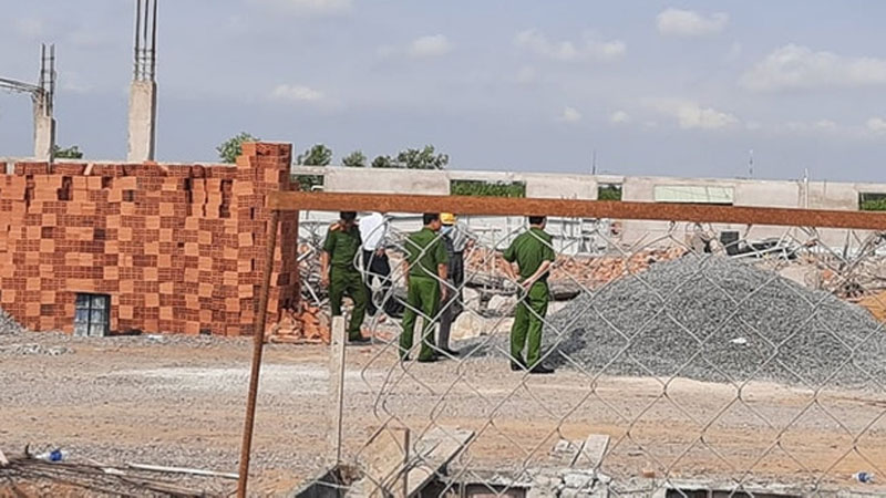 Khởi tố vụ sập tường đang thi công làm 10 người chết ở Đồng Nai